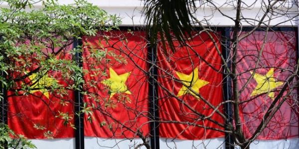 Hà Nội và 2 tòa nhà phủ kín cờ Tổ Quốc-1
