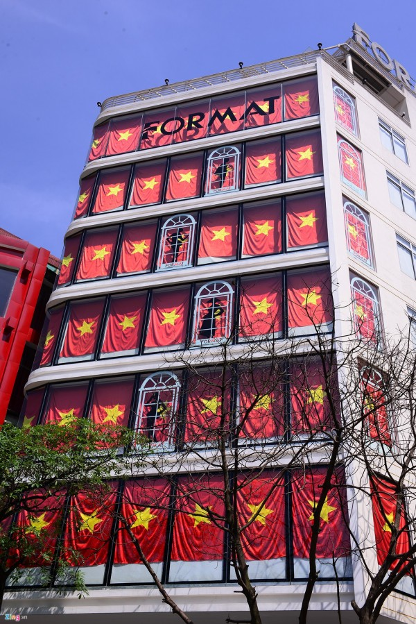 Hà Nội và 2 tòa nhà phủ kín cờ Tổ Quốc-3