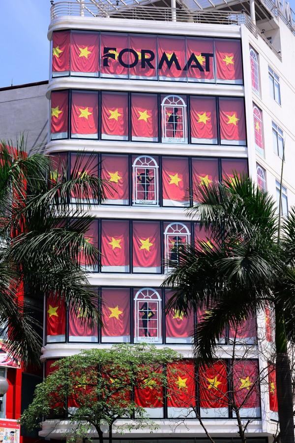 Hà Nội và 2 tòa nhà phủ kín cờ Tổ Quốc-4