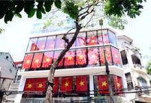 Hà Nội và 2 tòa nhà phủ kín cờ Tổ Quốc