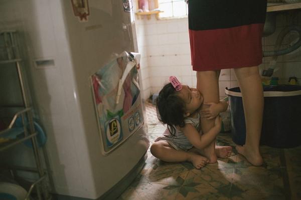 """20/10- Bộ ảnh """"Gà Mái"""" và góc nhìn đầy cảm xúc về những bà mẹ đơn thân-13"""