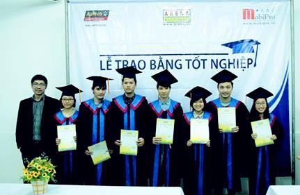 Thổn thức nhân sự- Dấu lặng ngành thiết kế thương hiệu Việt-5