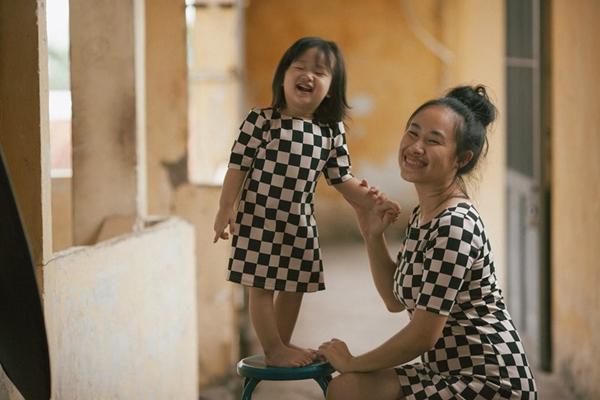 """20/10- Bộ ảnh """"Gà Mái"""" và góc nhìn đầy cảm xúc về những bà mẹ đơn thân-7"""